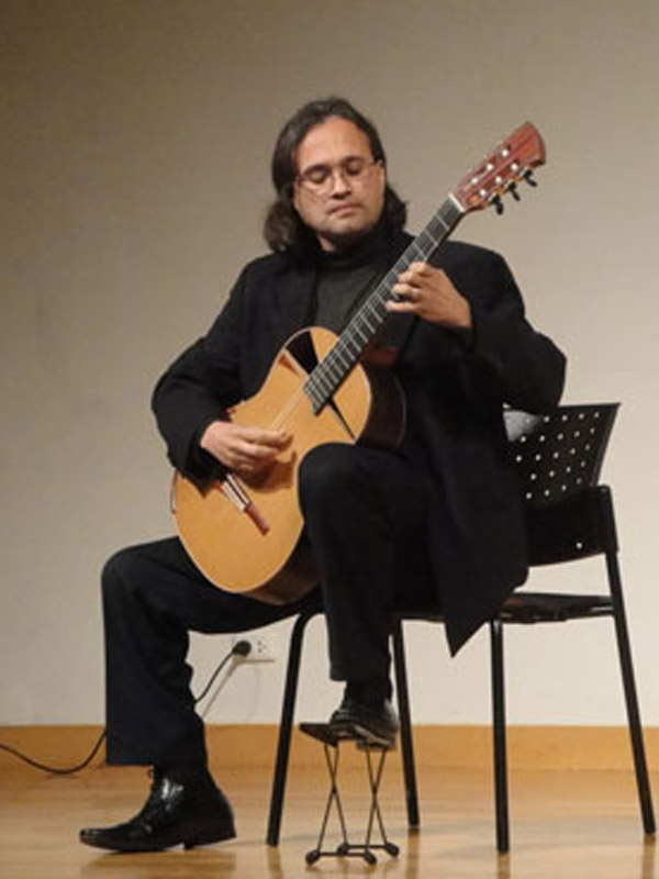 guitarists-gabriel_guillen